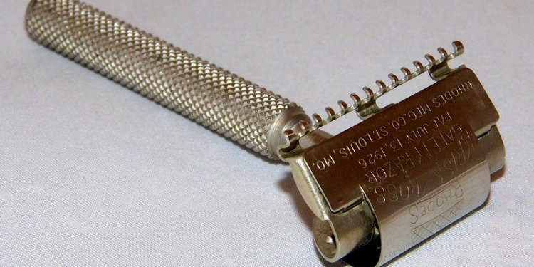 Vintage Rhodes Kriss Kross Single Edge Safety Razor With Swivel Head, July 13, 1926 Patent Date, Made...