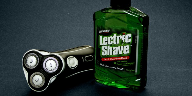 Williams Lectric Shave
