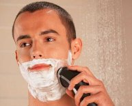 Electric razor wet shave